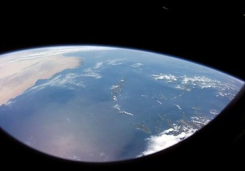 Blick auf Kreta von Osten - links gut erkennbar die helle Wüste von Nordafrika